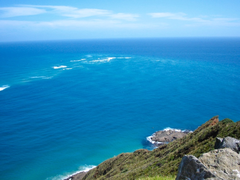 View of the meeting point between the Tasman Sea and the Pacific Ocean
